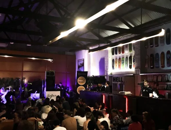 Warehouse-gig